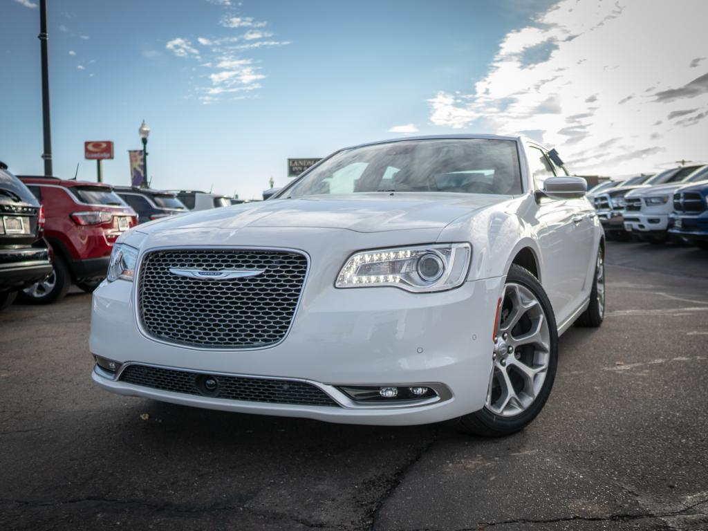 New 2018 CHRYSLER 300 Platinum
