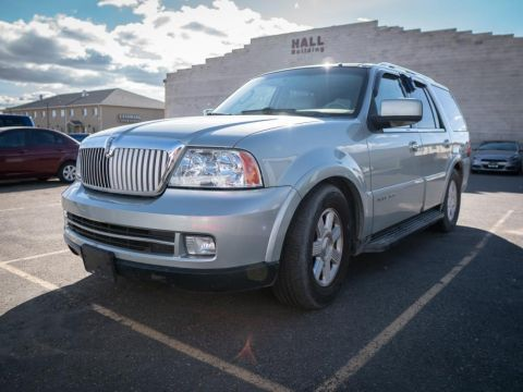 Pre-Owned 2005 Lincoln Navigator